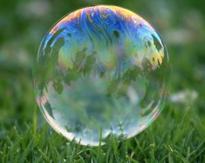 Facebook si rivelerà una bolla azionaria?